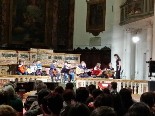 Orchestra di chitarre, concerto